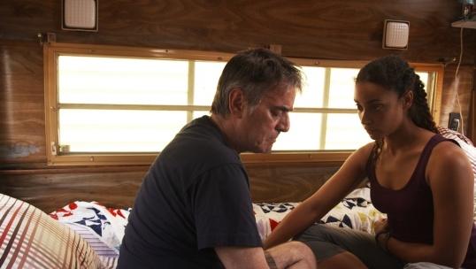 Normand (Normand Daoust) et Sophie (Marie-Evelyne Lessard) dans une scène du film Les manèges humains (Fair Sex), réalisé par Martin Laroche.